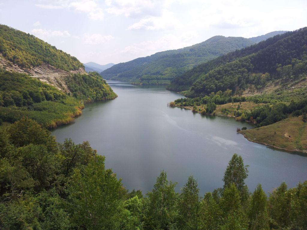 lacul siriu.plimbare.ro